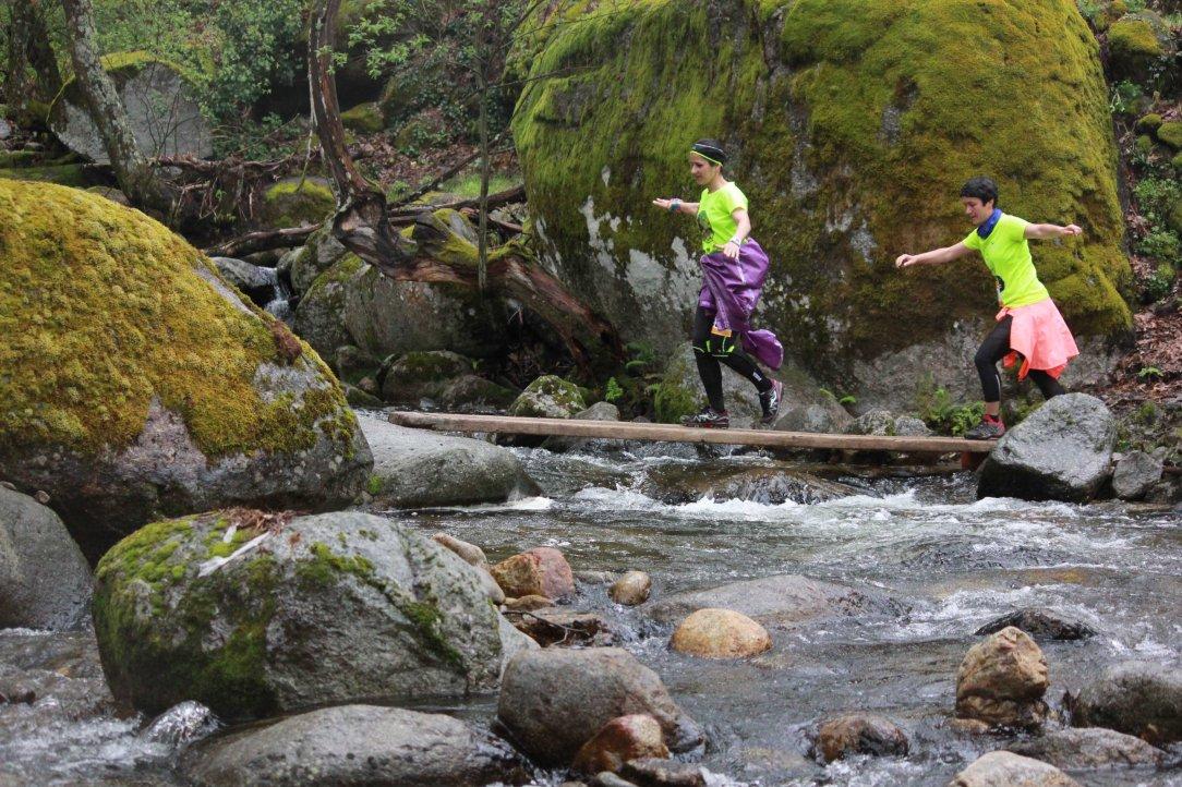 Cruzando río Ambroz