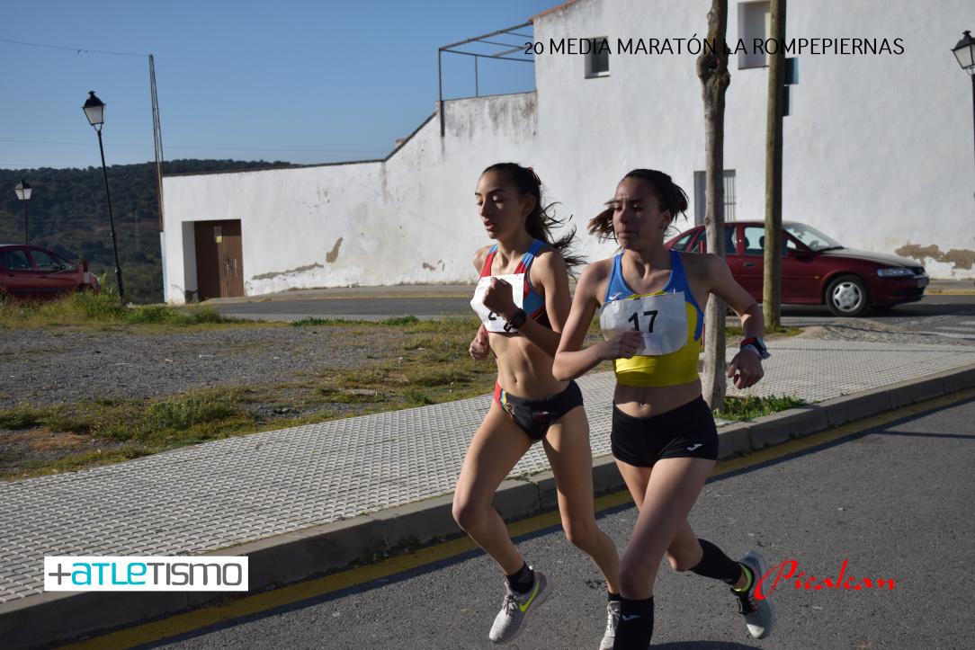 Lucía y Noe corriendo Espiel