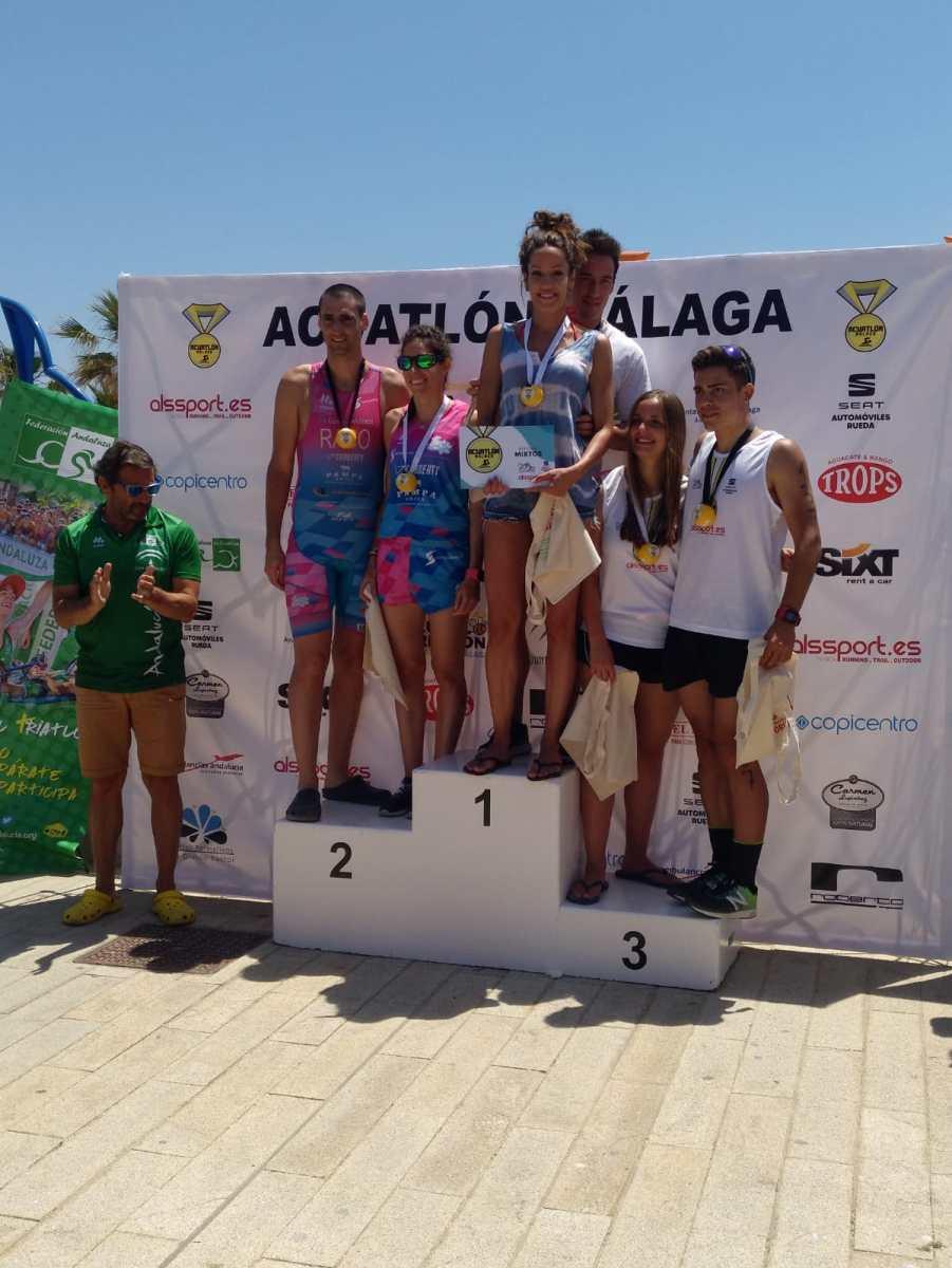 Virginia Moya Armenteros y Rafael Sánchez Avellano campeones por parejas en el Acuatlón de Málaga