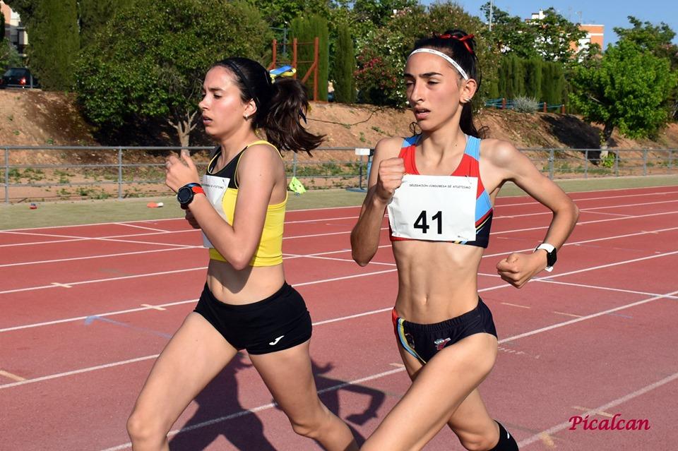 Noe y Lucía corriendo juntas