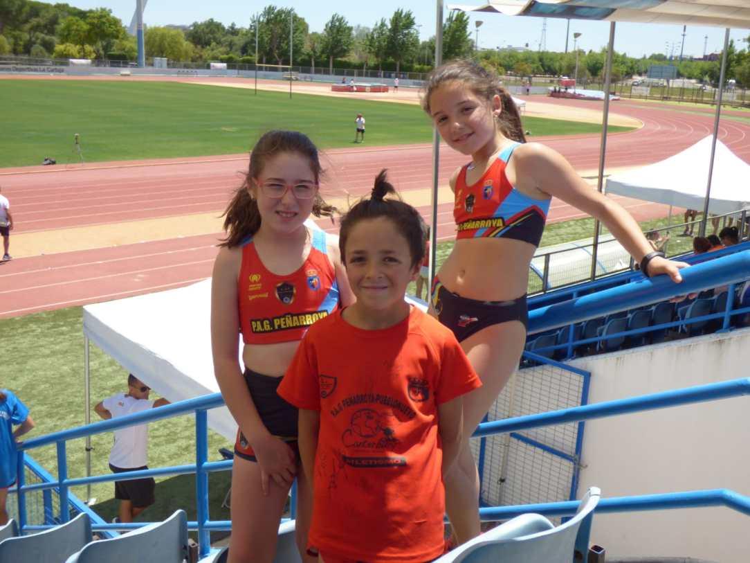 Ángela, Alejandra y Darío Sub12